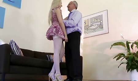 Sexy blonde super sons porn sucks large bolts